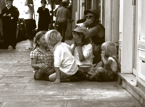 parisian children playing