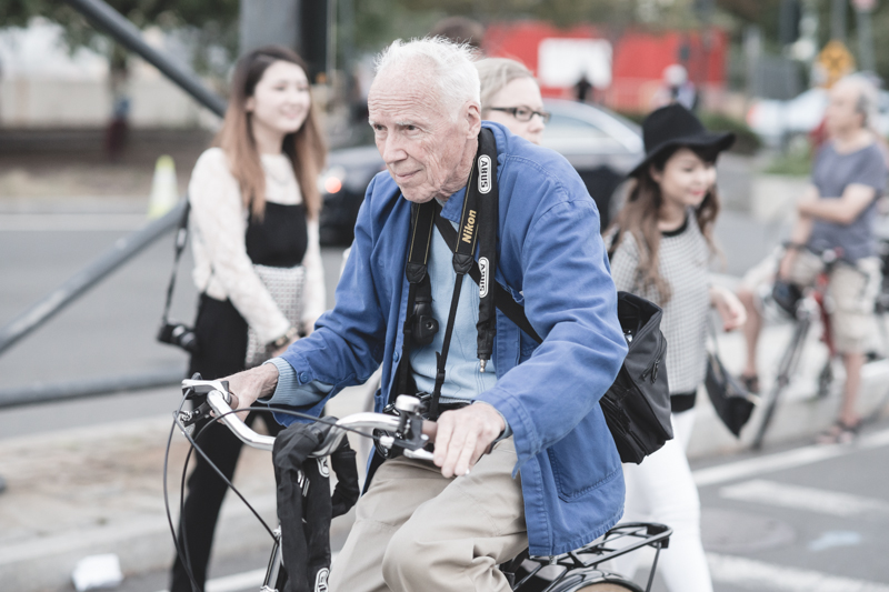 bill cunningham outside alexander wang