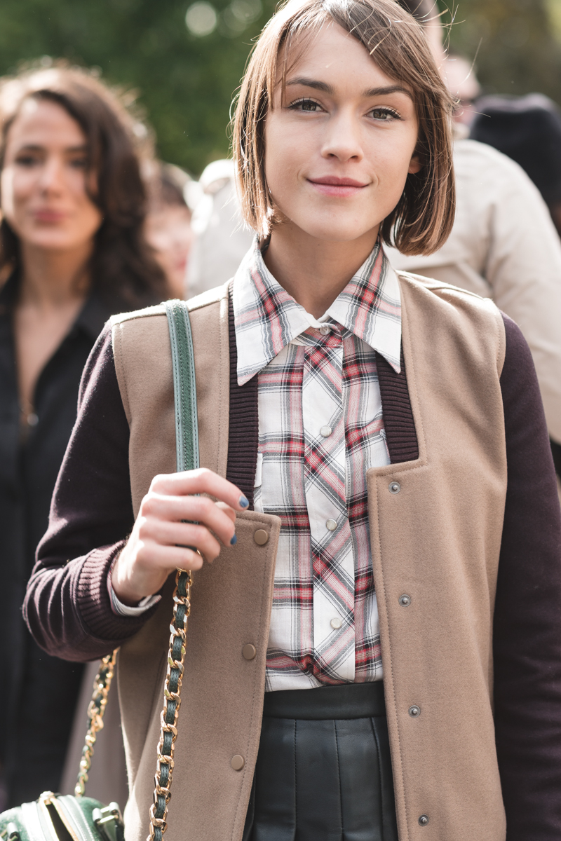 ella catliff outside burberry