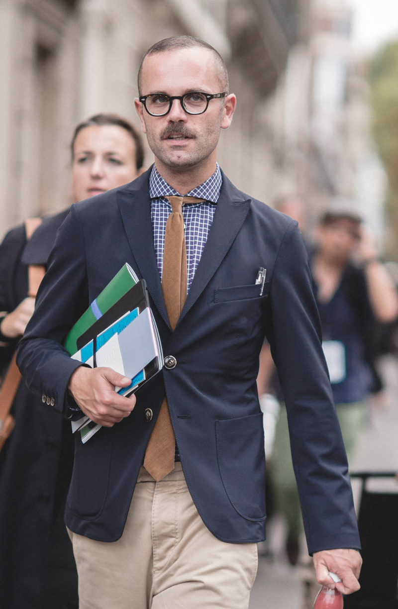 angelo flaccavento outside chloe at paris fashion week (26)