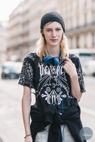 julia nobis - models off duty