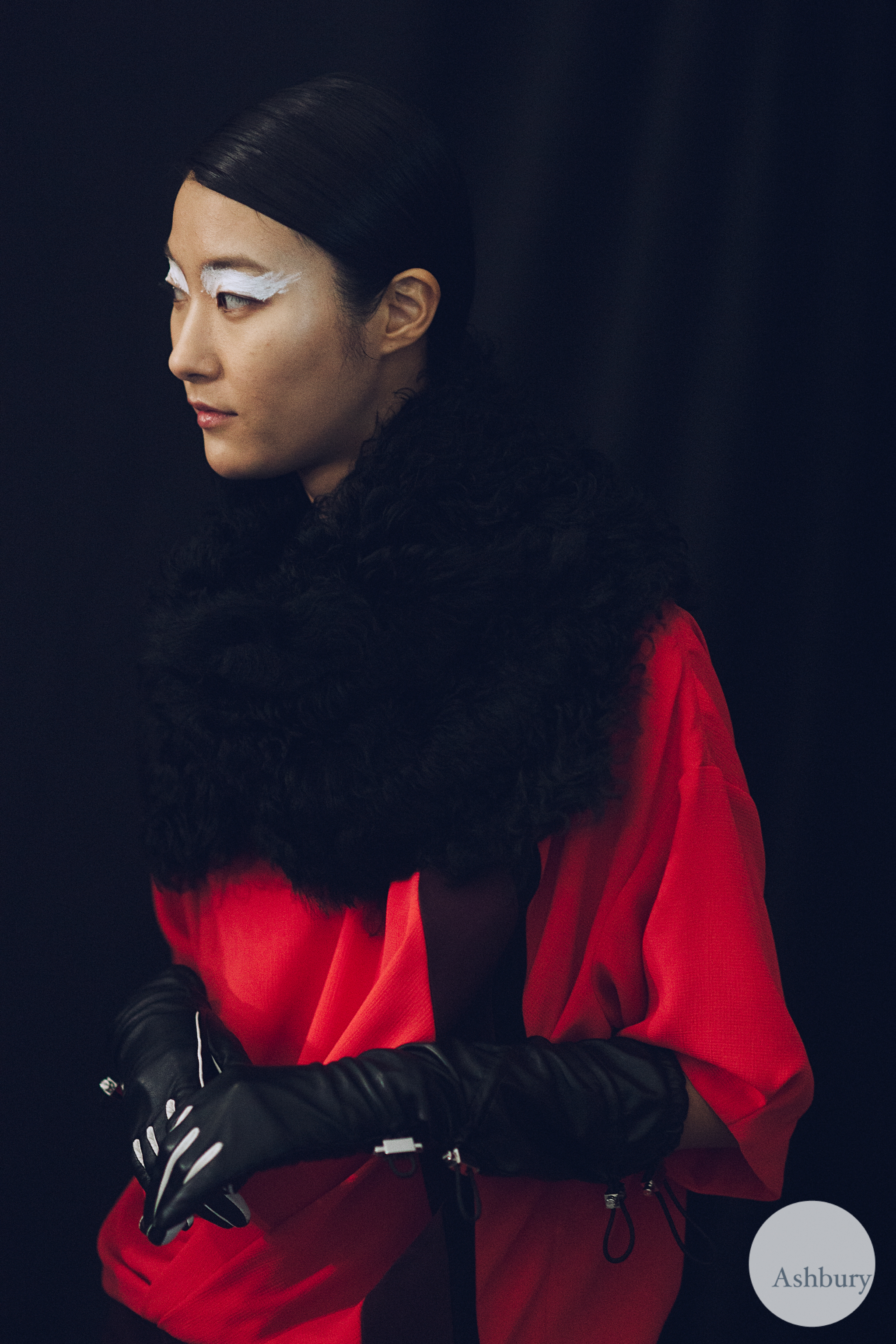 kenzo backstage fall/winter 2015 - jihye park
