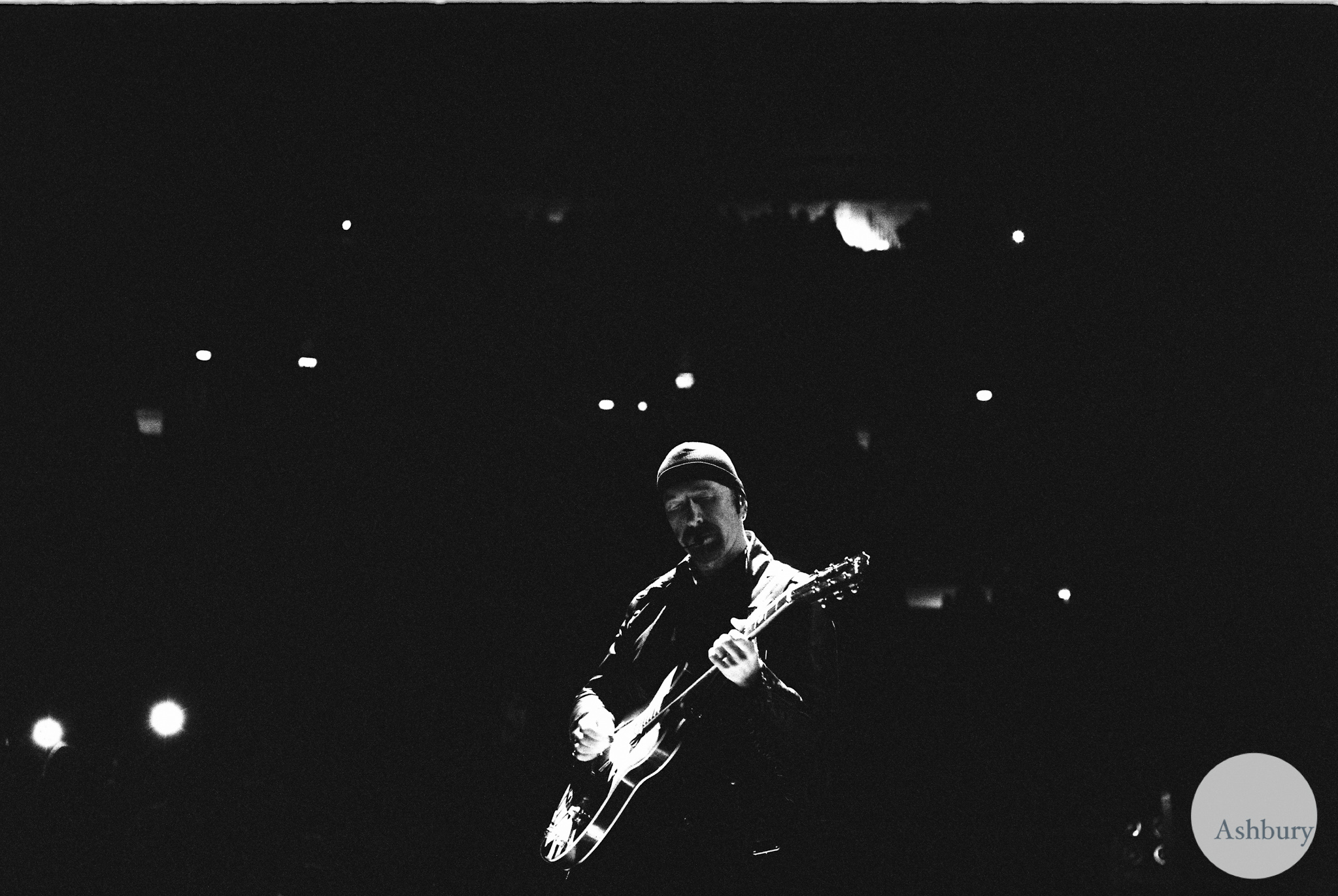 the edge of U2 u2ie tour MSG 07/19 kodak portra 400 @ 1600
