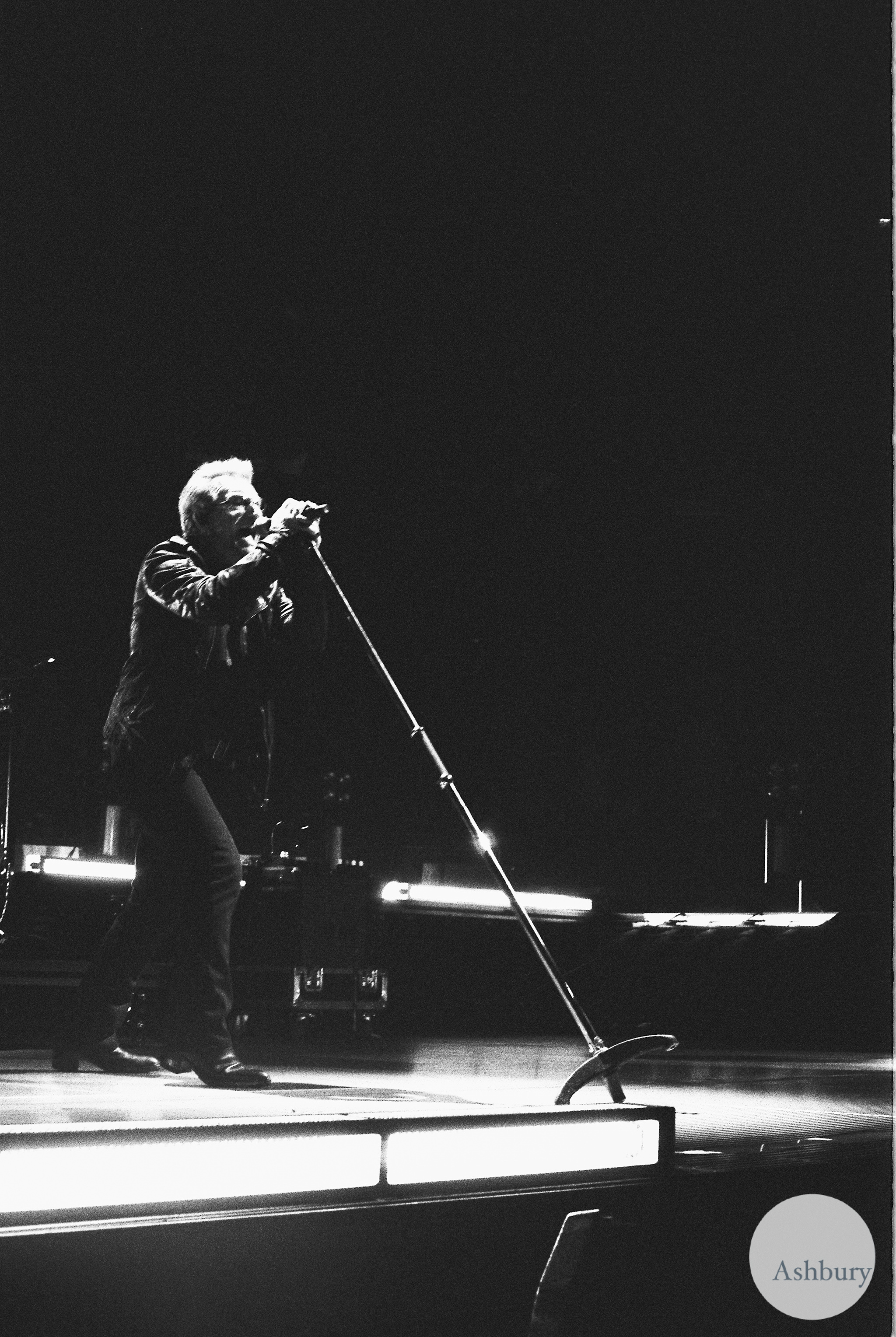 bono of U2 u2ie tour MSG 0719 kodak tri-x 400 @ 1600