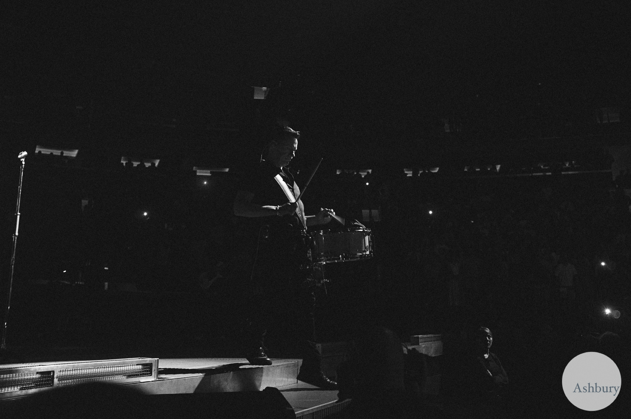 the edge of U2 u2ie tour MSG 07/19 kodak tri-x 400 @ 1600 c