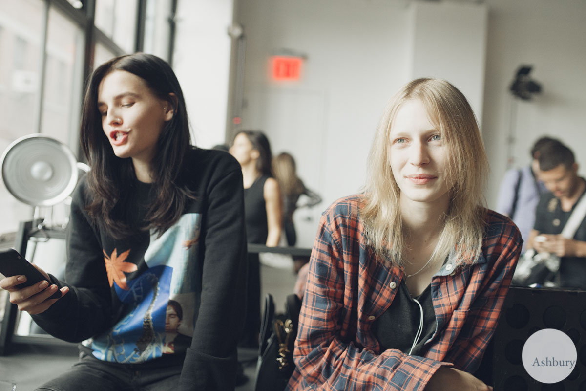 julia nobis and katlin aas