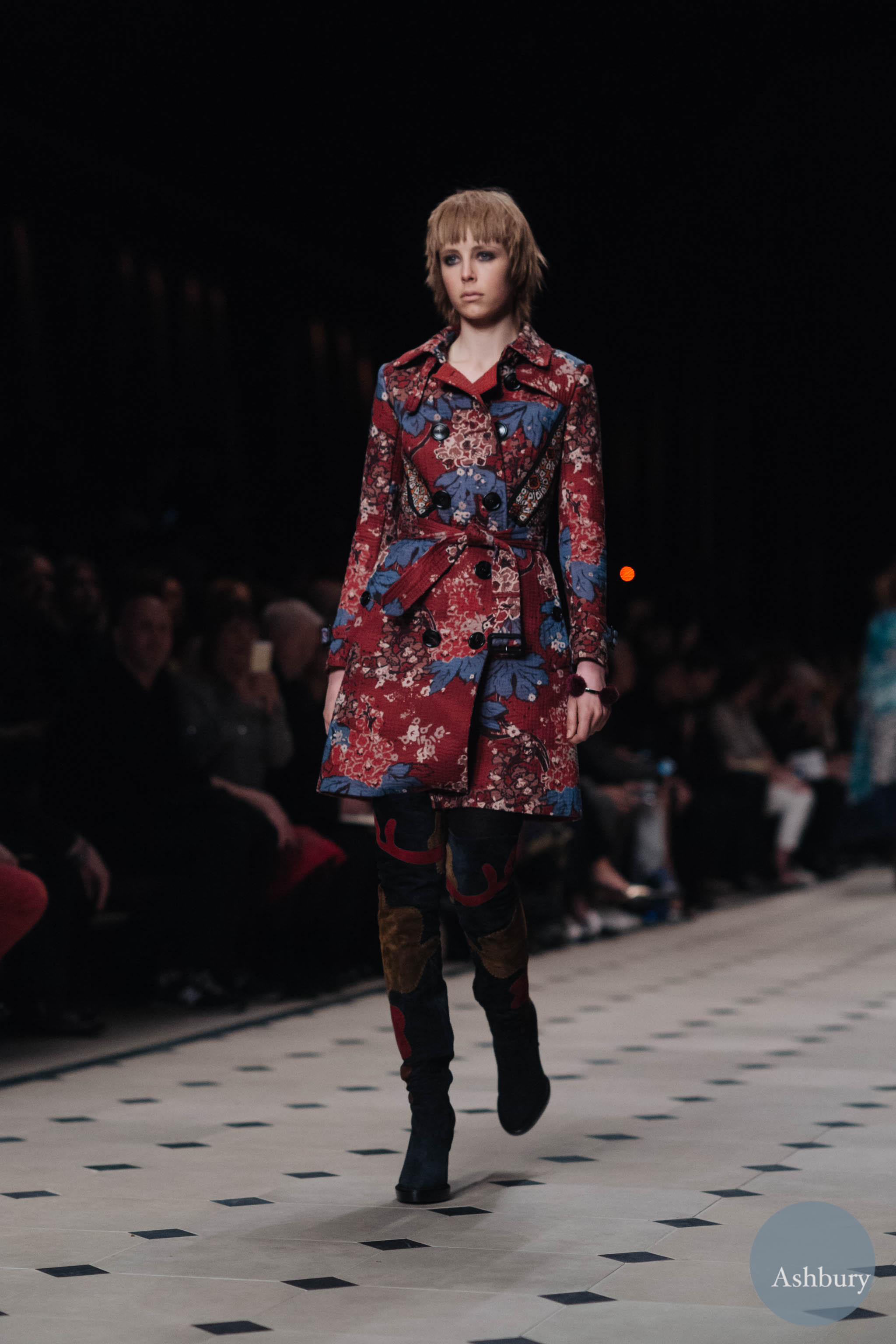 burberry fw15 edie campbell